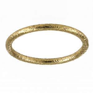 Single Stone Jane Small Yellow Gold Hammered Band